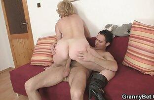 Chubby Chech amateur chick filme pornô de cachorro com mulher faz lapdance